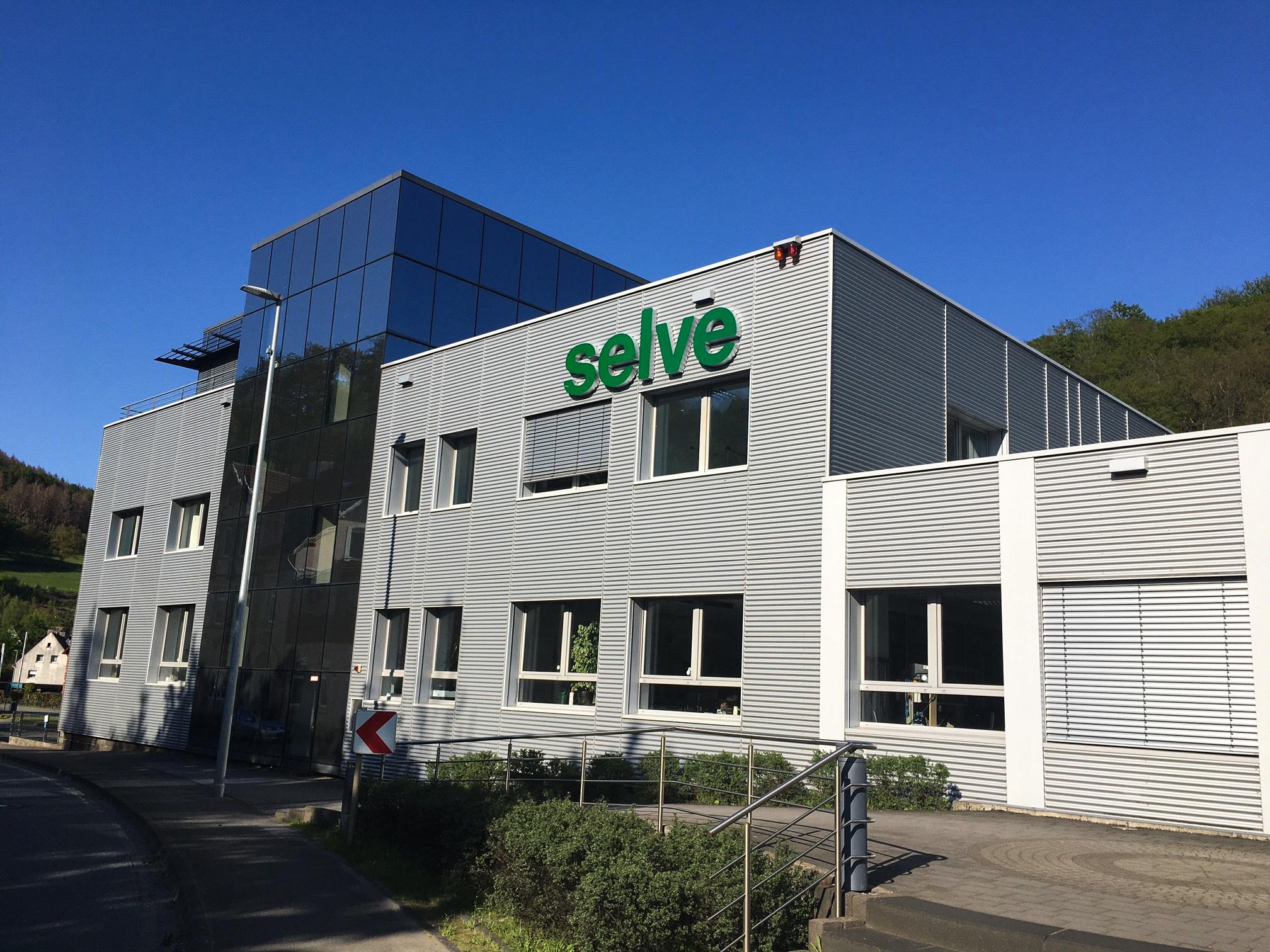 SELVE-Fassade_neuesLogo